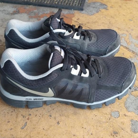 6a99fc35981b5 Nike Dual Fusion ST2 Men s Size 9 1 5. M 5b3c02faf63eea5677e23fe8